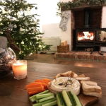 Perfect Sunday night in with my fave @aaronm01  . . . . . . #camembert #sundaynight #stovax #fireplace #interiordesign #christmastree #christmasdecor #cottagestyle #myhome #realchristmastree #bakedcamembert #yummy #getinmybelly #perfectnight #withmyfave #cottagedecor #christmascottage #christmasstocking #cheeseislife #meltedcheese #logburner #christmasgarland #festivefireside