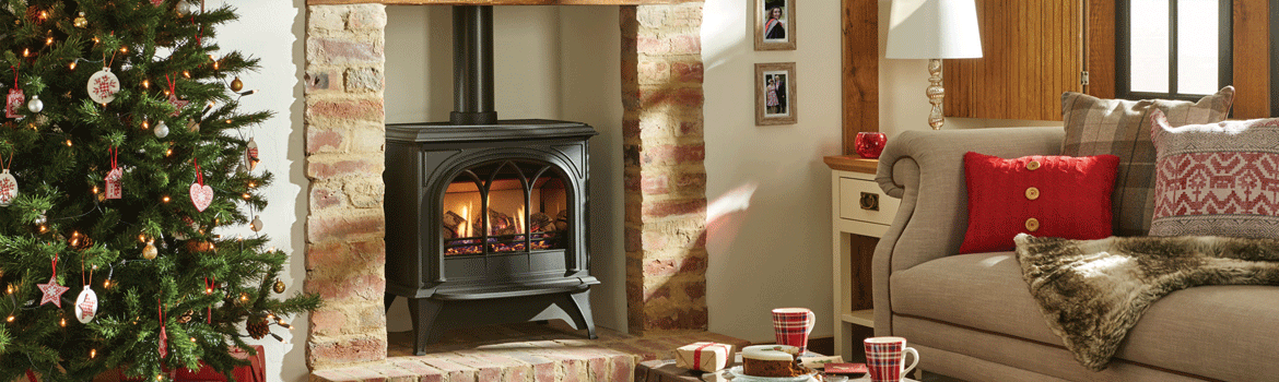 How to decorate your fireplace this Christmas
