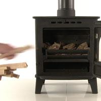 Establish a firebed in your multi-fuel stove