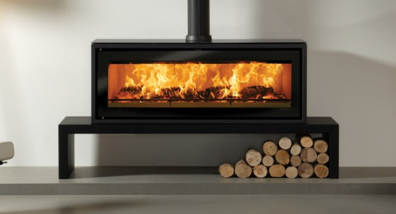 Accessorise your wood burning stove with a steel bench!
