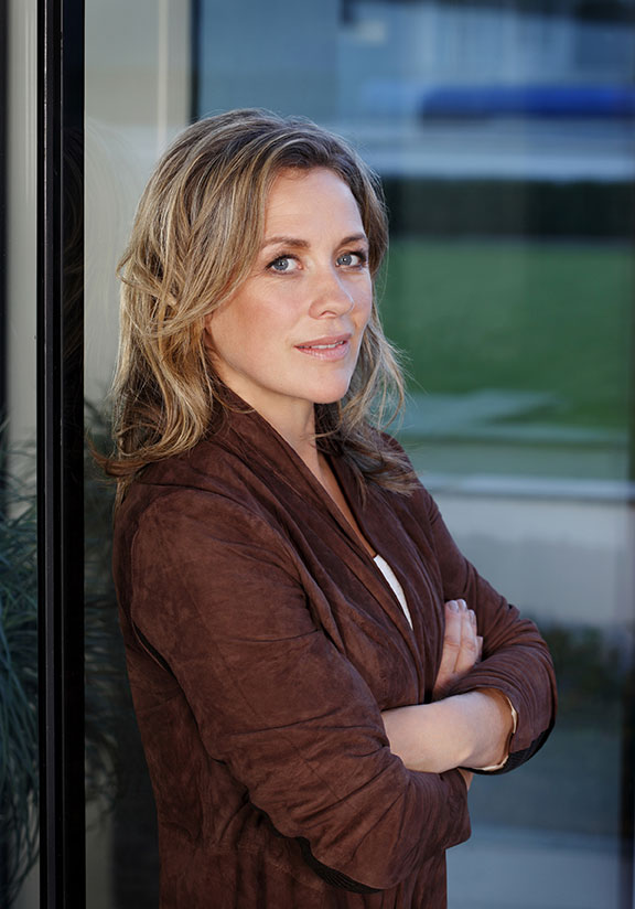 Sarah Beeny Talks About Her Experience With Stovax Stoves